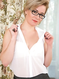 Lusty milf Lisa Young is a Russian dream come true with..