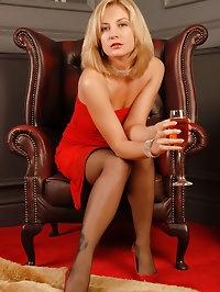Elegant and mature Laurita from AllOver30.com spreading