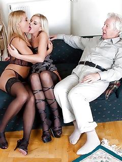 Threesome Nylon Babes