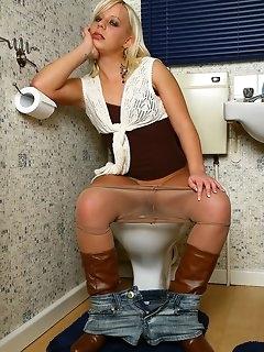 Boots Nylon Babes